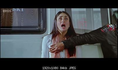 Kareena Kapoors Boob Touched By Shahrukh Khan