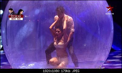 Amruta Khanvilkar Hot Performance Nach Baliye 7 Episode 10
