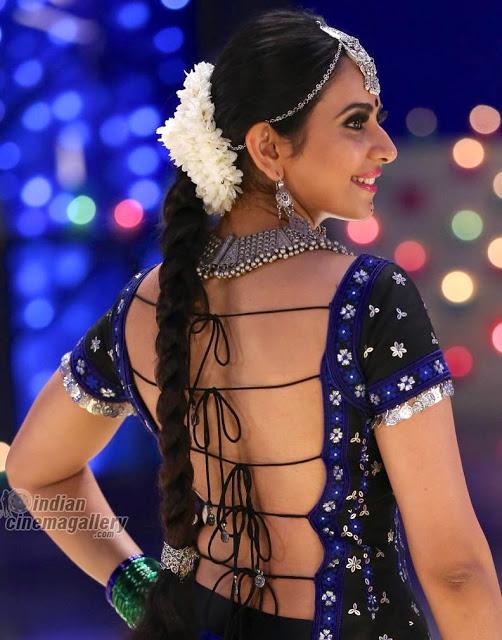 Hot Rakul Preet Singh nude bareback without bra sexy blouse pic