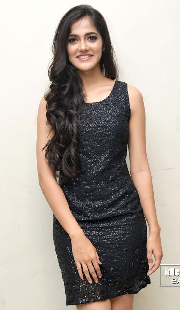 Simran Chowdary nude mini skirt naked legs xxx FBB Miss India 2017