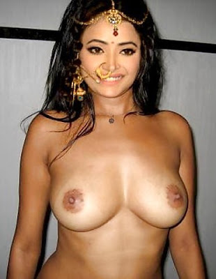 Naked boobs Shweta Basu Prasad nude breast without bra 4