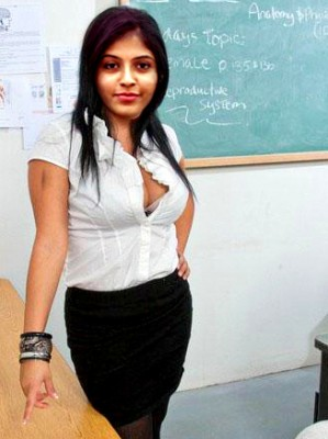Busty boobs Anjali bra visible hot nude cleavage - Bolly Tube