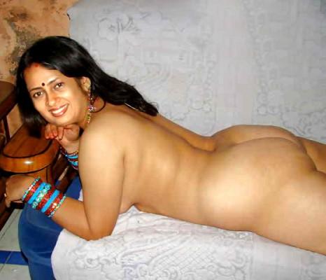 Lakshmy Ramakrishnan naked ass on sofa full nude