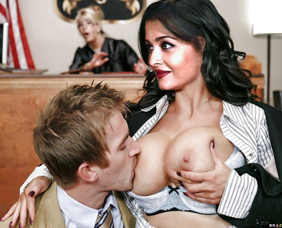 Aishwarya Rai nipple sucked naked boobs photo
