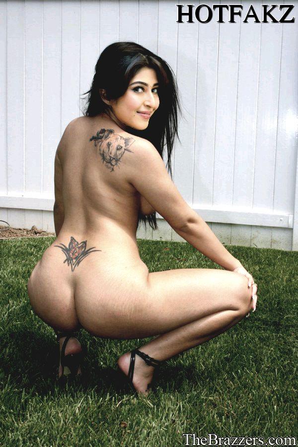 Nude hot Sonarika Bhadoria midnight masala actress