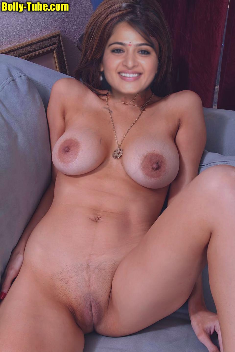Anushka Shetty calls room service
