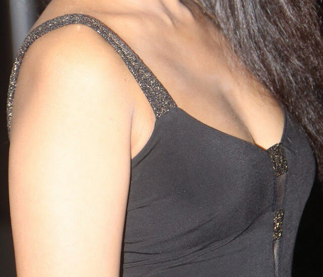 Madhu Shalini naked sleeveless shoulder low neck cleavage hot small boobs