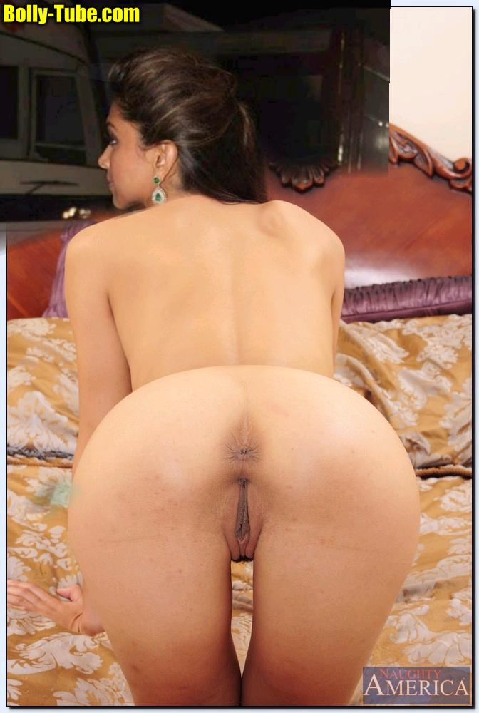 Sexy butt Deepika Padukone clean ass hole shaved pussy round ass close up