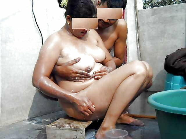 Ashrita Vemuganti Bathing of desi outdoor Free Porn pictures