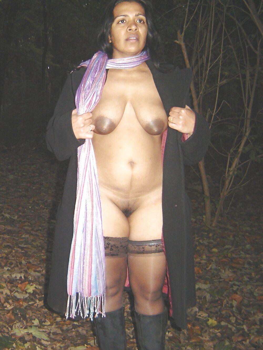 Riythvika Desi Indian Milf Loves Exposing Herself Outdoors 15 Pics best porn