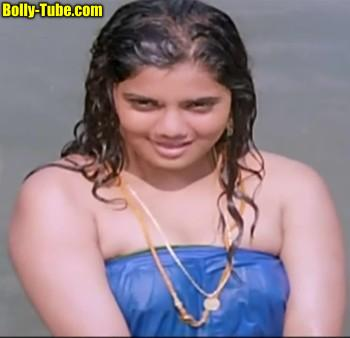 Yuvarani hot nipple nude wet dress xxx