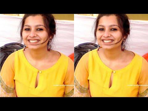Malayalam Desi actress niranjana anoop hot cleavage | Malayalam actress