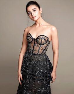 Alia Bhat thighs boob