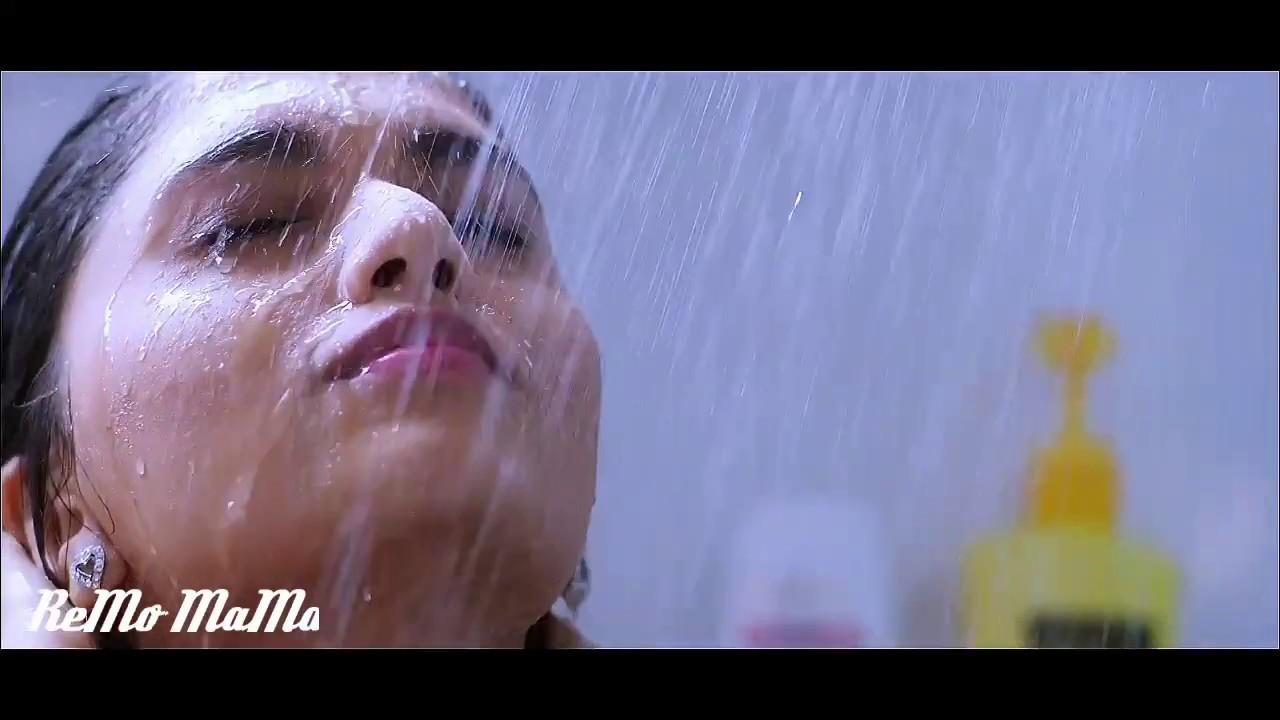 Sunaina Hot Bath Scene