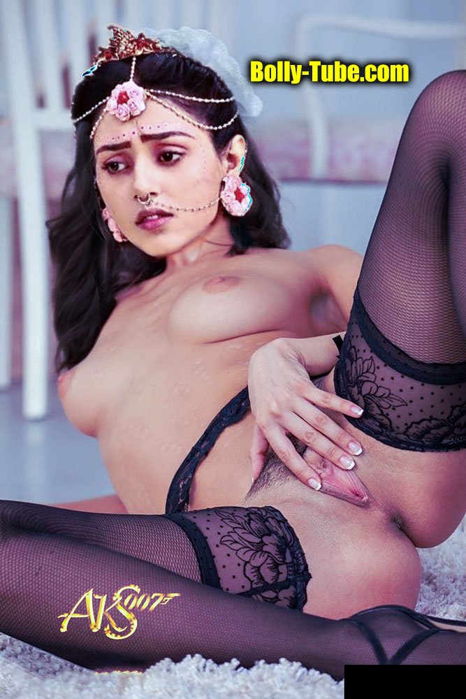 Small boobs goddess Mallika Singh spreading her pussy lip