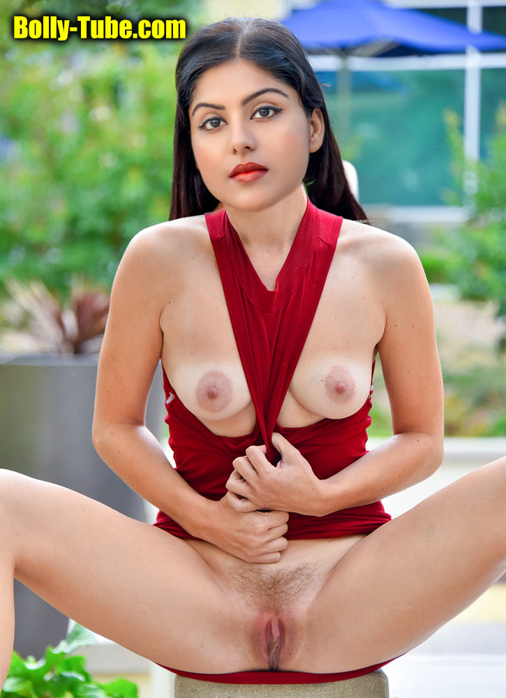Divyangana Singh small boobs nude nipple hairy pussy outdoor pic