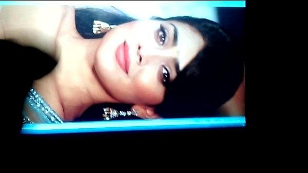 Shriya Saran cum stribute sexy face video